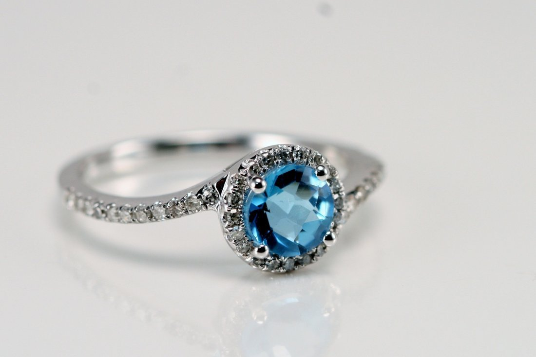 14K WT GOLD DIAMOND AND BLUE TOPAZ RING