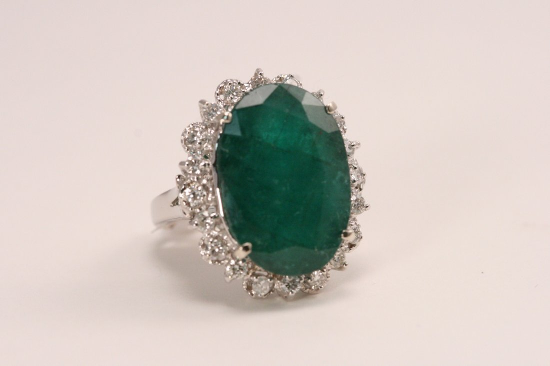 14K W/G DIAMOND AND EMERALD RING