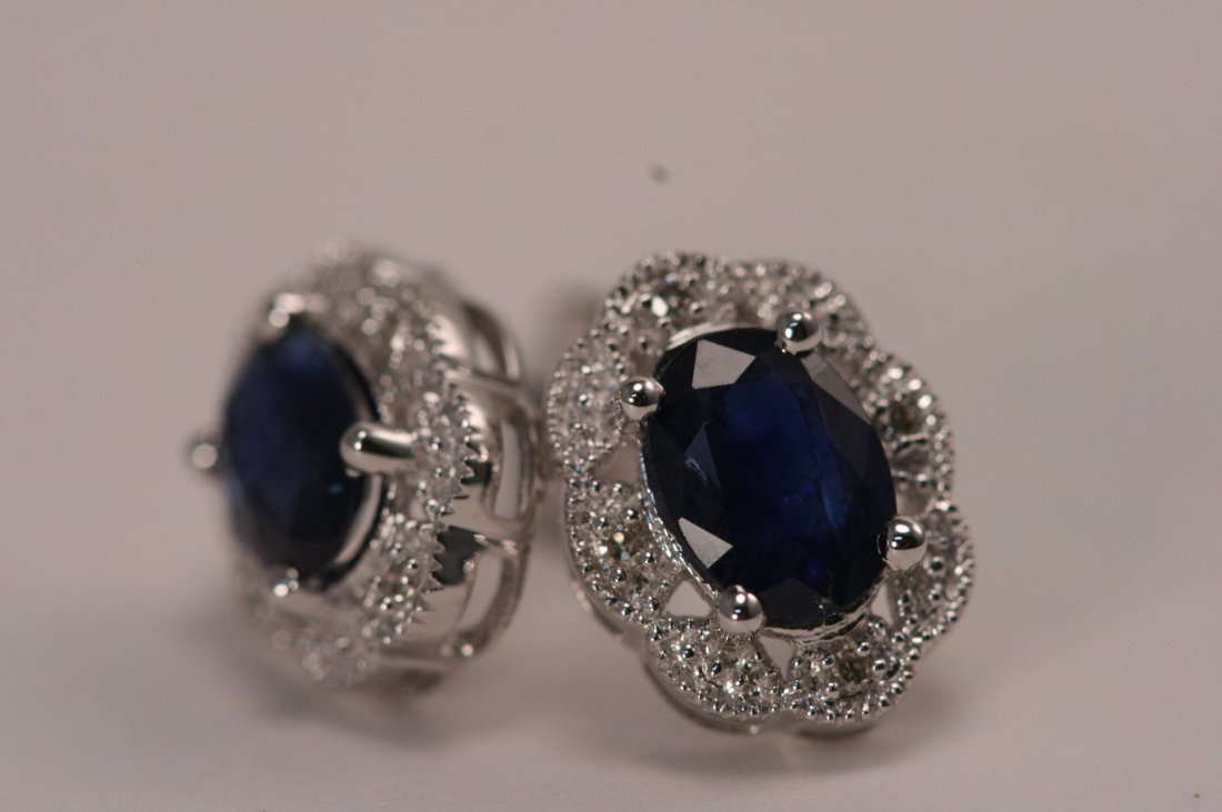 14K W/G DIAMOND AND SAPPHIRE EARRING