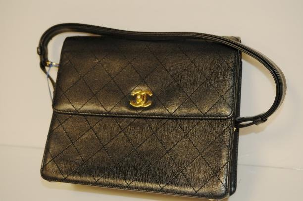 CHANEL BLACK VINTAGE FLAP PURSE