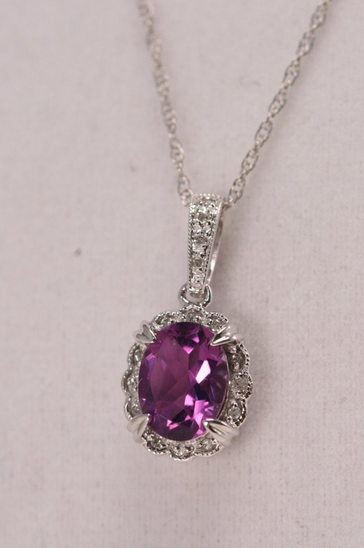 W/G DIAMOND AND AMETHYST NECKLACE