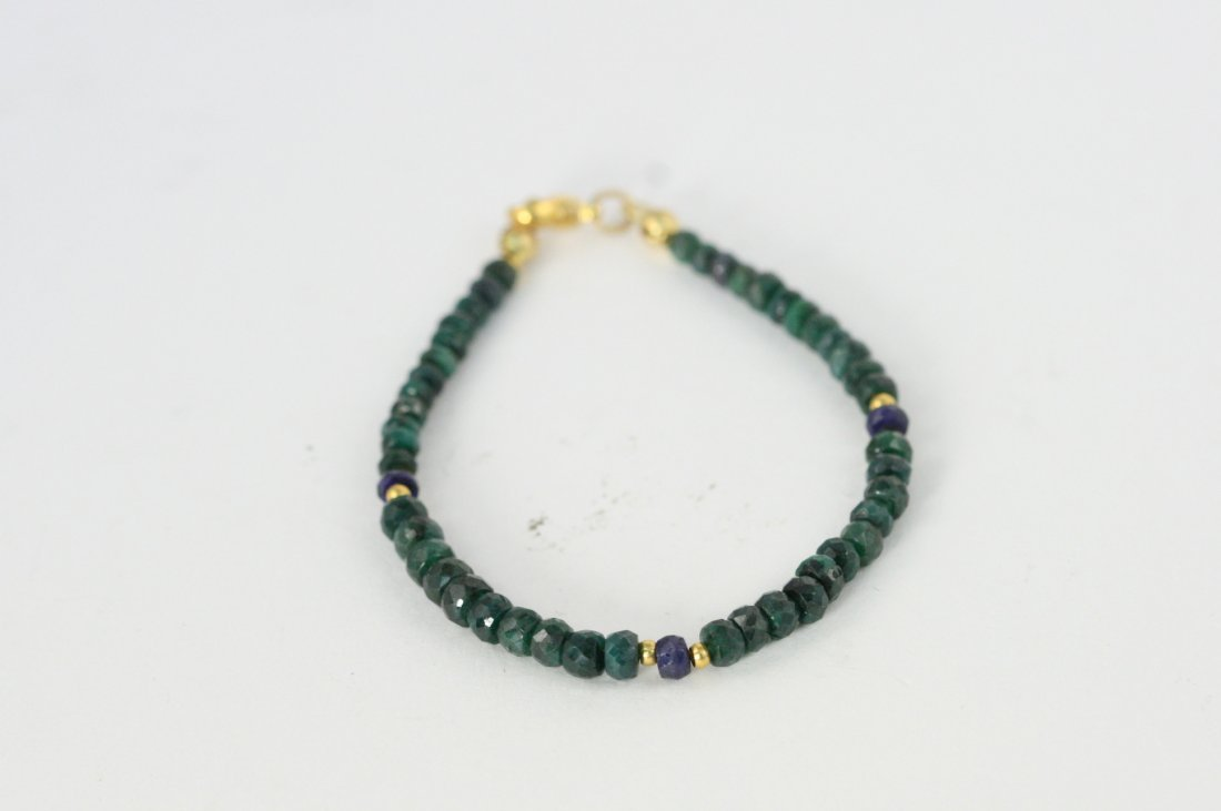 NATURAL EMERALD AND SAPPHIRE BRACELET