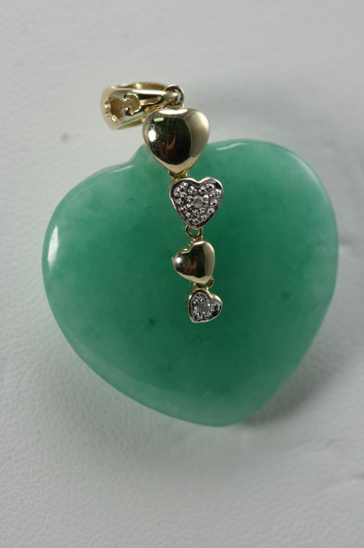 14K GOLD AND JADE HEART PENDANT