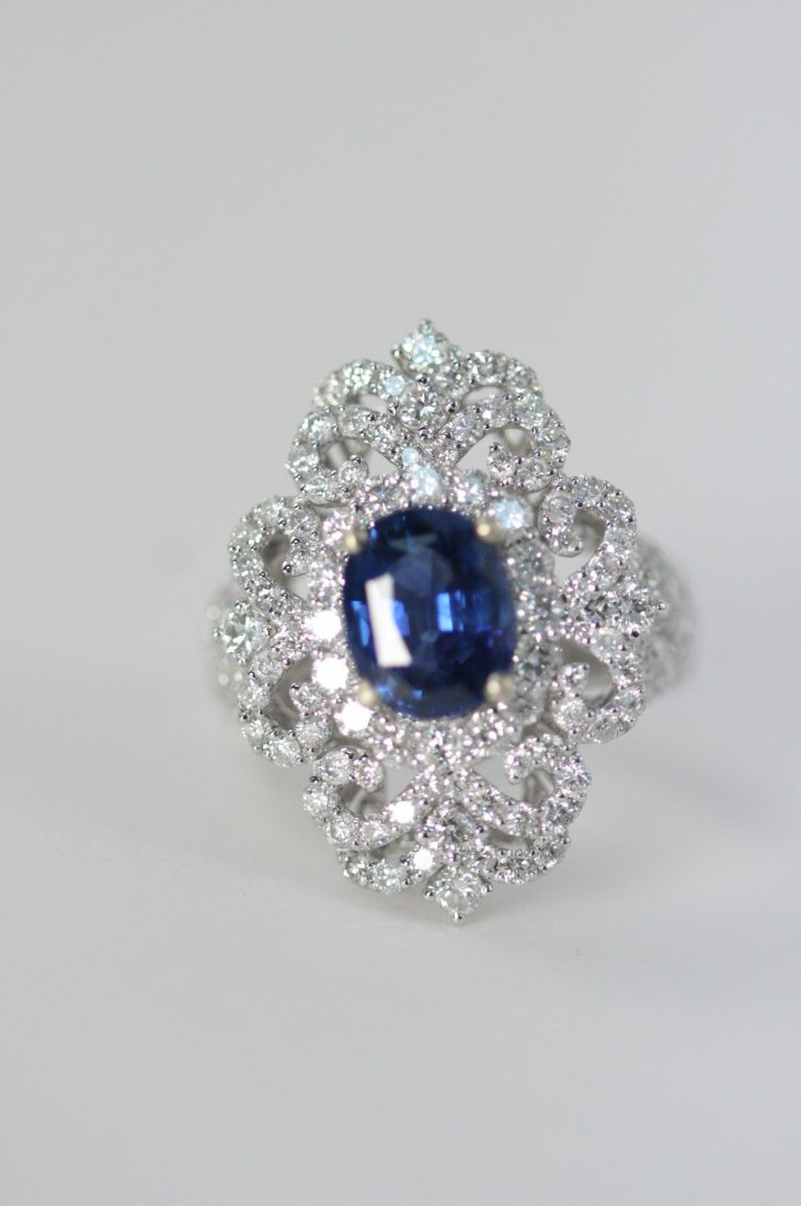GORGOUS SAPPHIRE AND DIAMOND RING