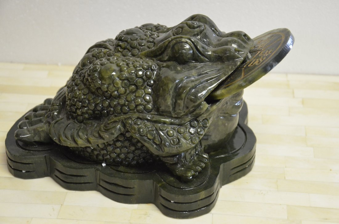 ADORABLE STONE MONEY FROG WITH ROTATABLE COIN. APPROX