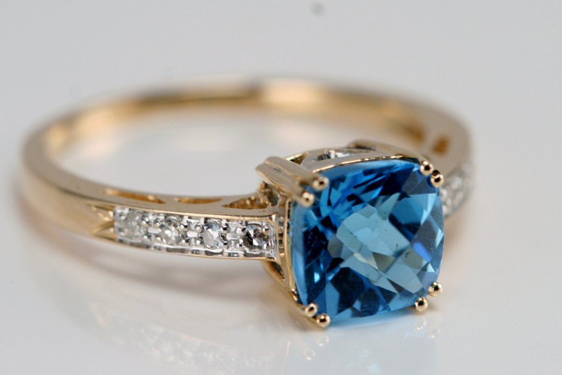 14K Y/G RING SET WITH BLUE TOPAZ AND DIAMONDS