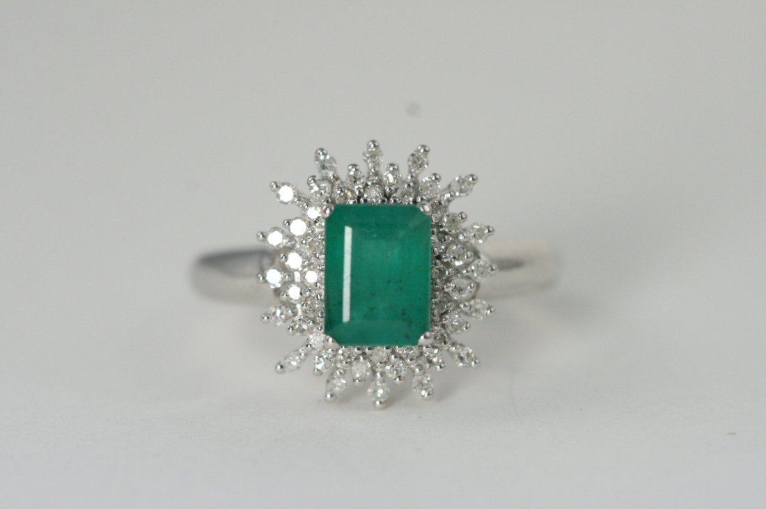GORGEOUS EMERALD AND DIAMOND WHITE GOLD RING