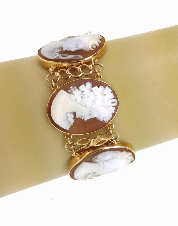 GOLD & HAND-CARVED SHELL CAMEO LINKS BRACELET