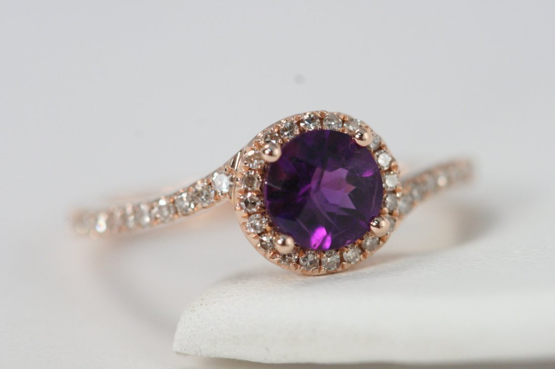 GORGEUS 14K R/G RING WITH .68CT AMETHYST AND .25CT