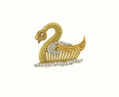 GORGEOUS 18K GOLD & 65 PTS. DIAMONDS 3D SWAN PIN BROOCH