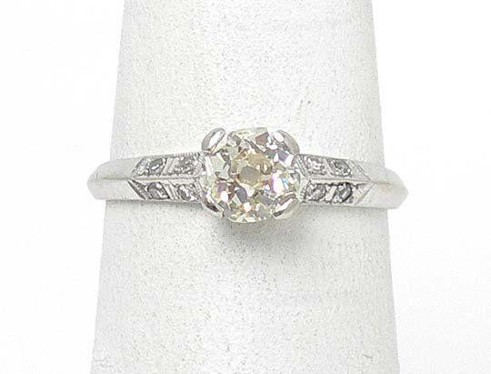 VINTAGE 14k WHITE GOLD & DIAMONDS SOLITAIRE W/ ACCENTS