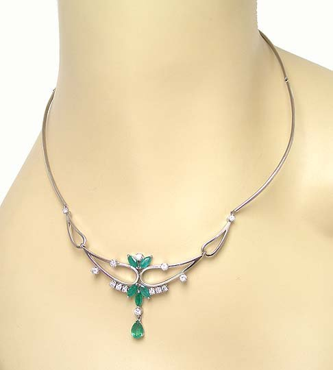 OPULENT 14K W-GOLD DIAMONDS & EMERALDS STYLISH NECKLACE