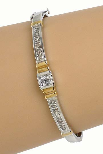 BEAUTIFUL 2-TONE 18K GOLD & DIAMONDS STYLISH BANGLE