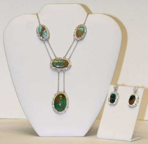 LARGE OPAL NECKLACE AND EARRINGS SET