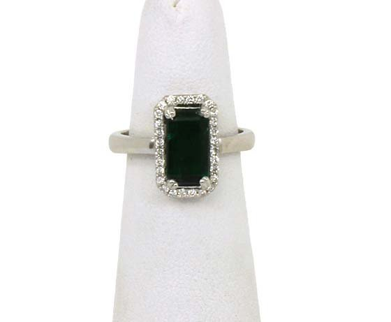 STYLISH 14K GOLD 1.94 CTS DIAMONDS EMERALD LADIES RING