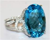 LADIES 18K W/ GOLD BLUE TOPAZ RING