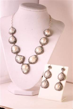Gorgeous designer Pearl necklace with matching