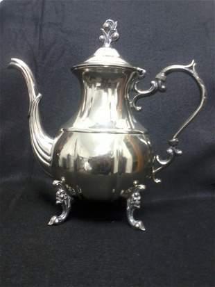 Very fine english silver tea pot