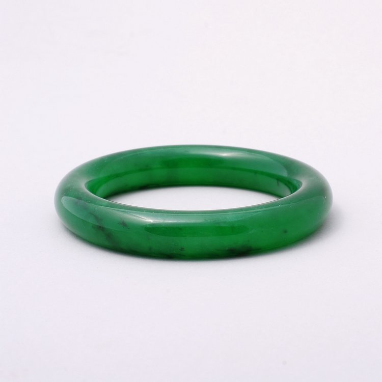 4015: Fine Chinese jadeite bangle bracelet