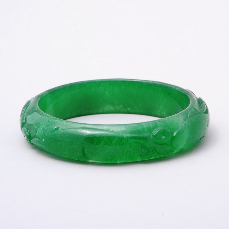 4020: Fine Chinese jadeite bangle bracelet