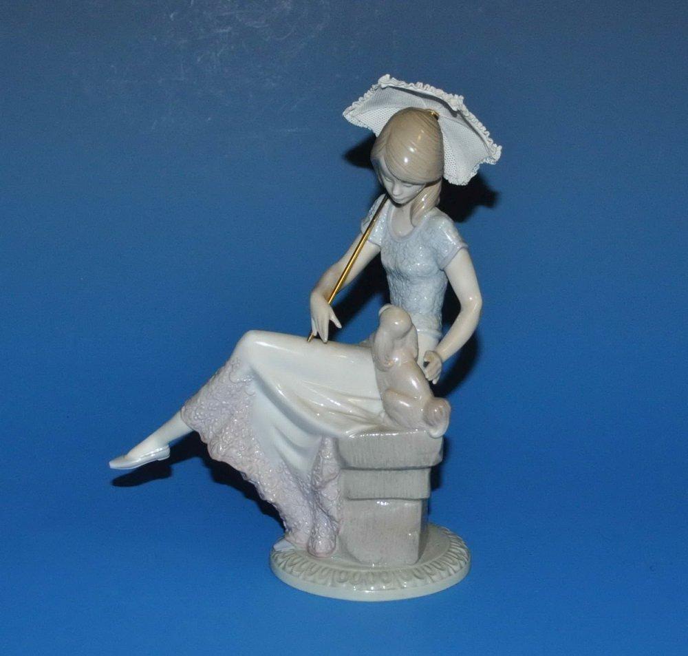 Lladro Porcelain Statue #7612