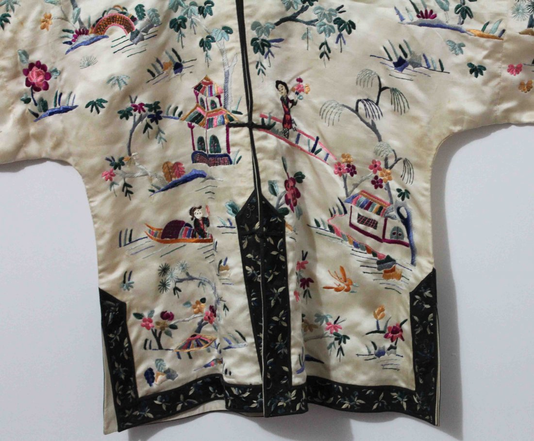 Chinese Silk Robe Embroidery - 4