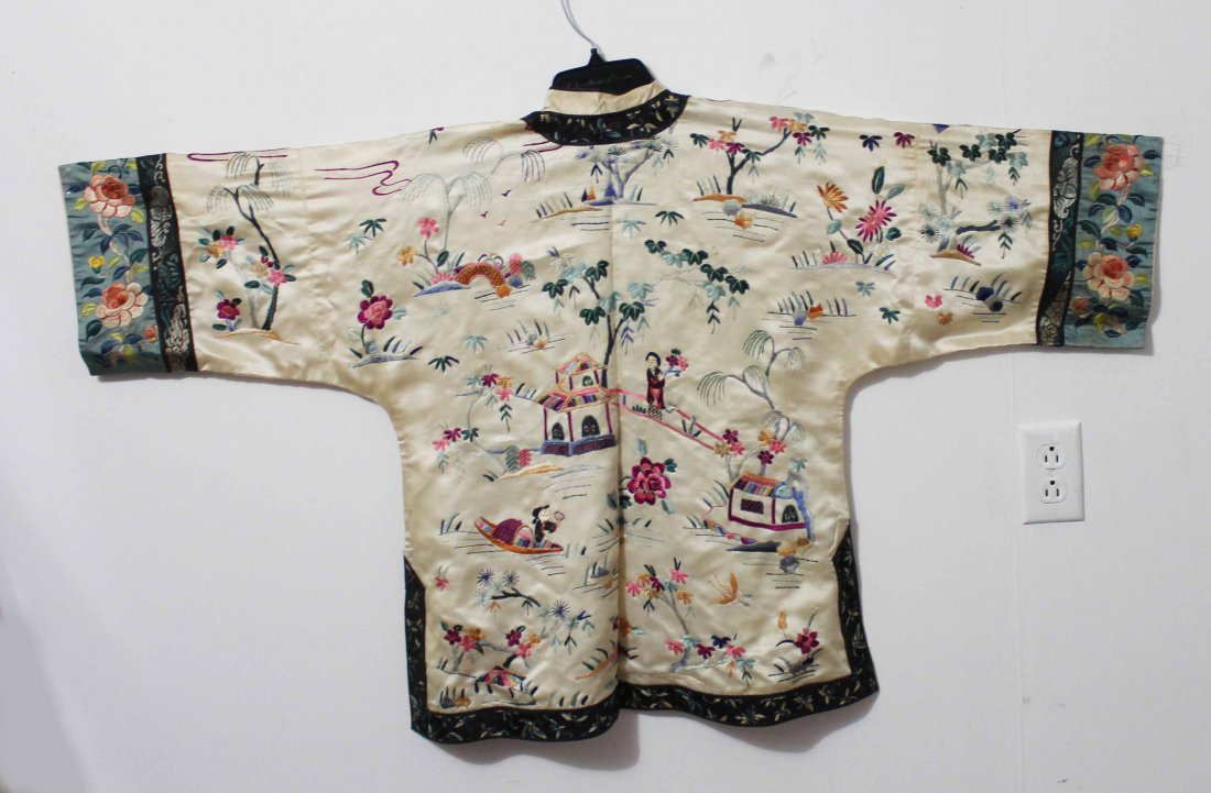 Chinese Silk Robe Embroidery - 5