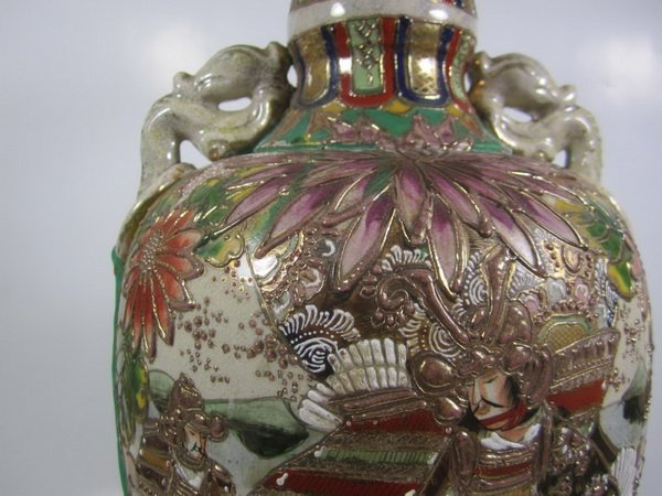 ANTIQUE JAPANESE SATSUMA VASE - 8