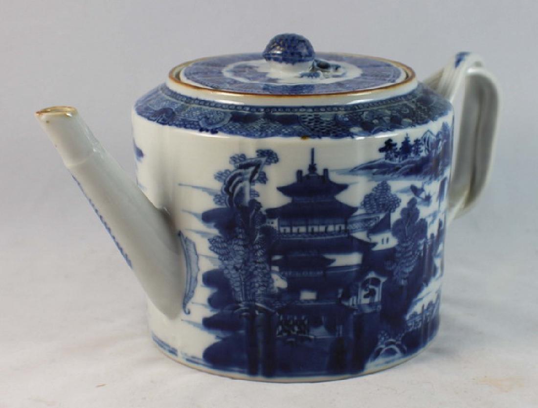 Antique Chinese Export Porcelain Tea Pot - 3