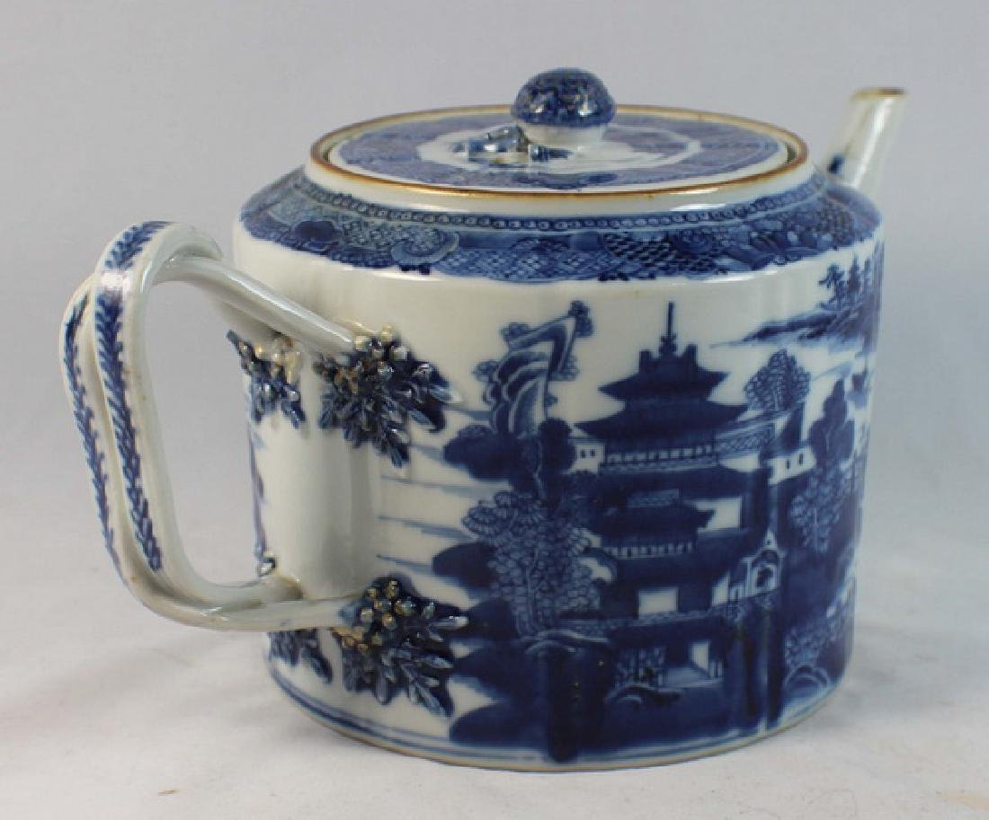Antique Chinese Export Porcelain Tea Pot - 5