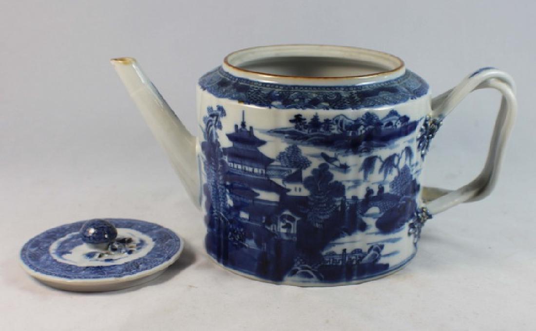 Antique Chinese Export Porcelain Tea Pot - 7