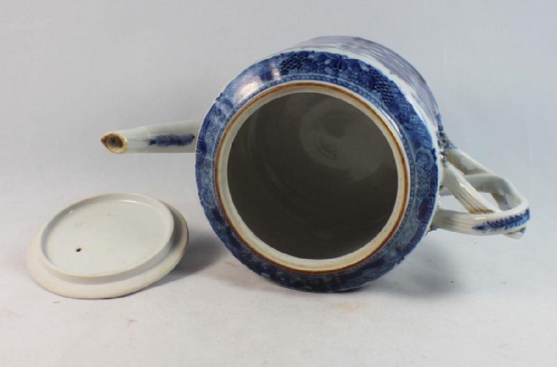 Antique Chinese Export Porcelain Tea Pot - 8