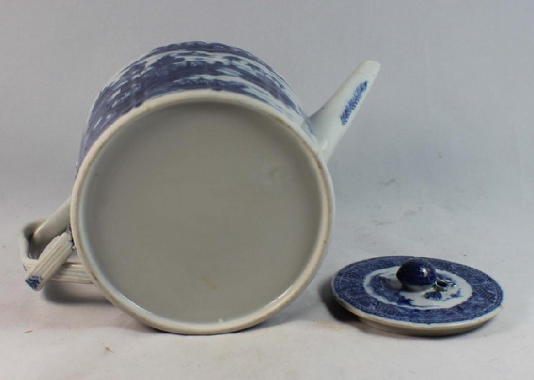 Antique Chinese Export Porcelain Tea Pot - 9