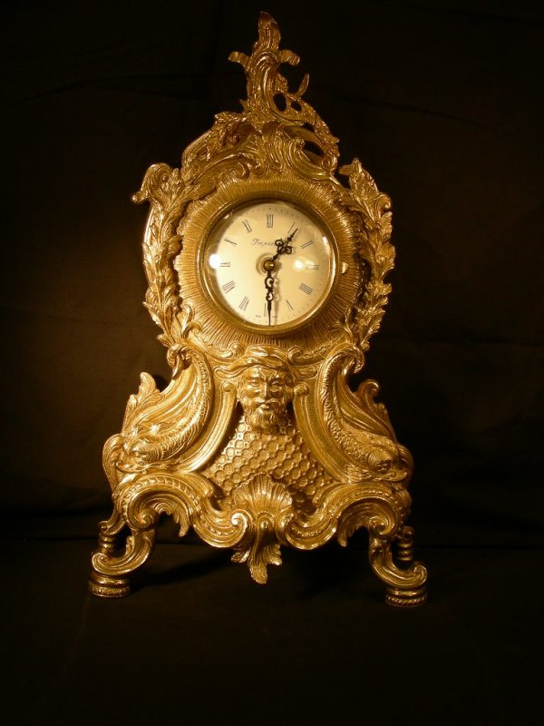 11: IMPERIAL ORNATE FAUX FRENCH MANTEL CLOCK