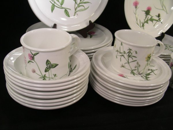 634: PORTMEIRION THE QUEENS HIDDEN GARDEN DISHES 37 PCS - 4