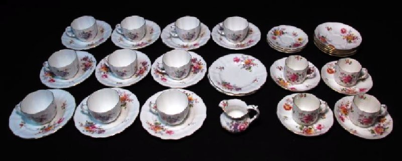 "ROYAL CROWN DERBY ""POSIES"" DINNERWARE: 39 PCS"
