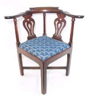 ANTIQUE CHIPPENDALE STYLE CORNER CHAIR