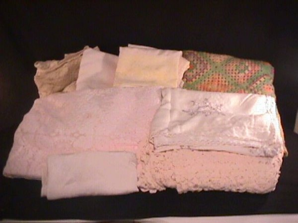 24: LARGE GROUP ASSORTED LINENS AFGHAN ETC