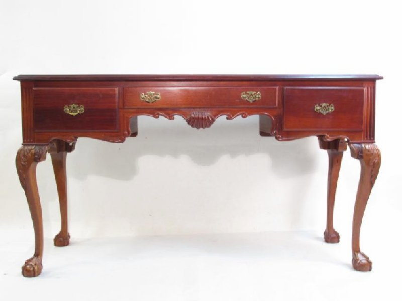 CHIPPENDALE STYLE MAHOGANY SOFA OR HALL TABLE