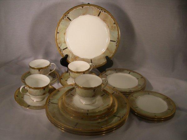 308: MIKASA CORONATION CELADON DINNERWARE 4 PLACE SETTI