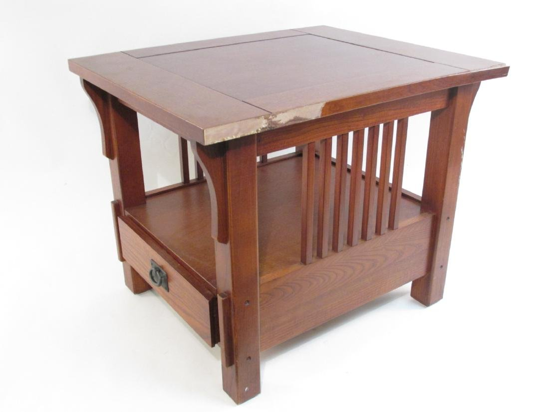 SMALL ARTS & CRAFTS STICKLEY LIBRARY TABLE