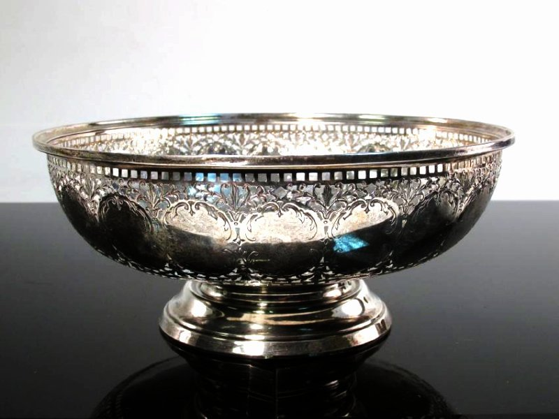 PIERCED & ENGRAVED STERLING SILVER FOOTED BOWL 11T