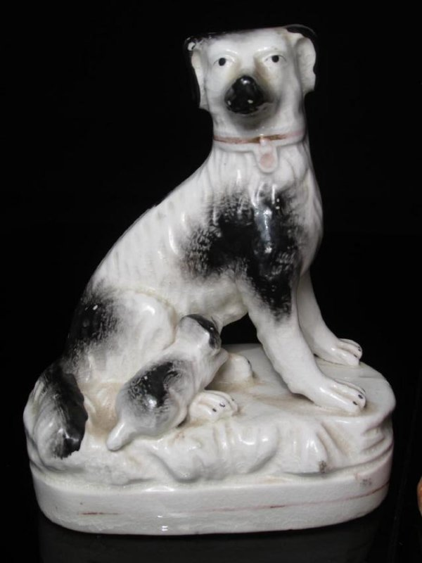 TWO STAFFORDSHIRE PORCELAIN FIGURINES: SPANIELS - 2