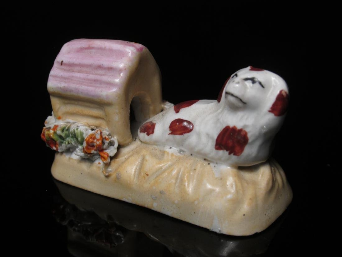 FOUR 19TH C STAFFORDSHIRE MINIATURES: DOG BOX ETC - 7