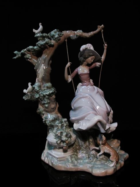 "LLADRO ""VICTORIAN GIRL ON A SWING"" FIGURINE #1297"