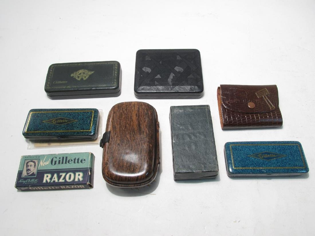 EIGHT VINTAGE GILLETTE COLLECTABLE SAFETY RAZORS - 10