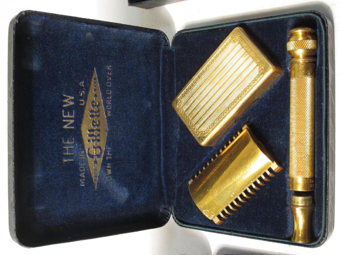 EIGHT VINTAGE GILLETTE COLLECTABLE SAFETY RAZORS - 4