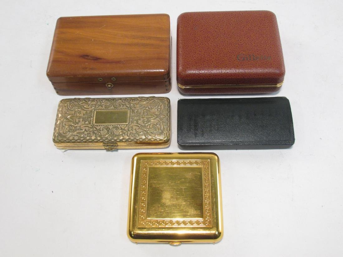 FIVE VINTAGE GILLETTE COLLECTABLE SAFETY RAZORS - 8