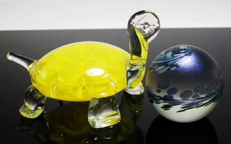 THIRTEEN ART GLASS PAPERWEIGHTS: JOE RICE, ETC. - 4