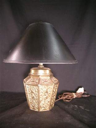 EMBOSSED BRASS TABLE LAMP